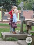 Kinder_auf_Spielplatz