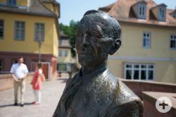 Calw_im_Bild_Hesse-Statue_Kopf
