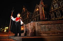 Calwer Nachtwächter am Brunnen / Quelle: Stadt Calw