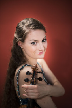 Violinistin Noelle Grüebler